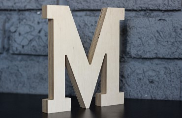 Утолщенная буква М