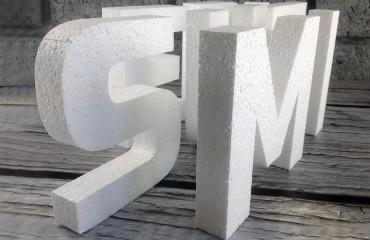 Неокрашенные буквы из пенопласта