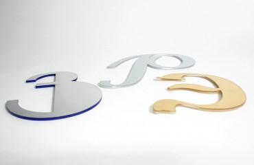 Буквы с металлизированной лицевой панелью
