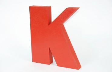Окрашенные утолщенные буквы из МДФ