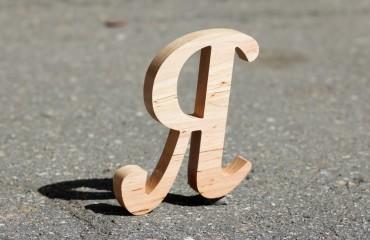 Буквы из ольхи