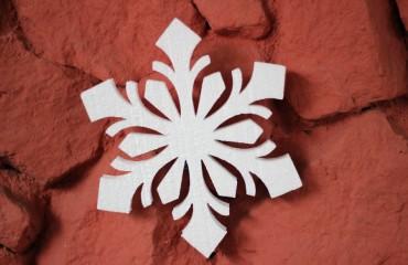 Снежинки из пенопласта 50 мм, d50 см