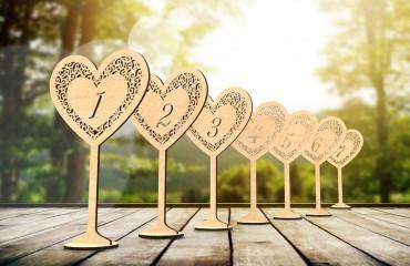 """Деревянные таблички на стол на ножке """"Сердце"""""""