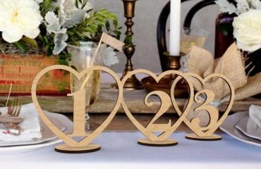 """Деревянные таблички на стол """"Сердце"""""""