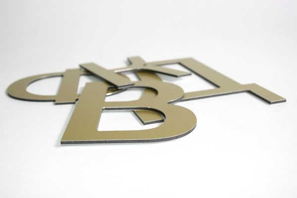 Буквы из пластика и композита